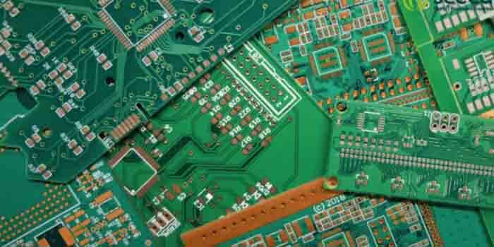 Difference Between Green and Blue PCB